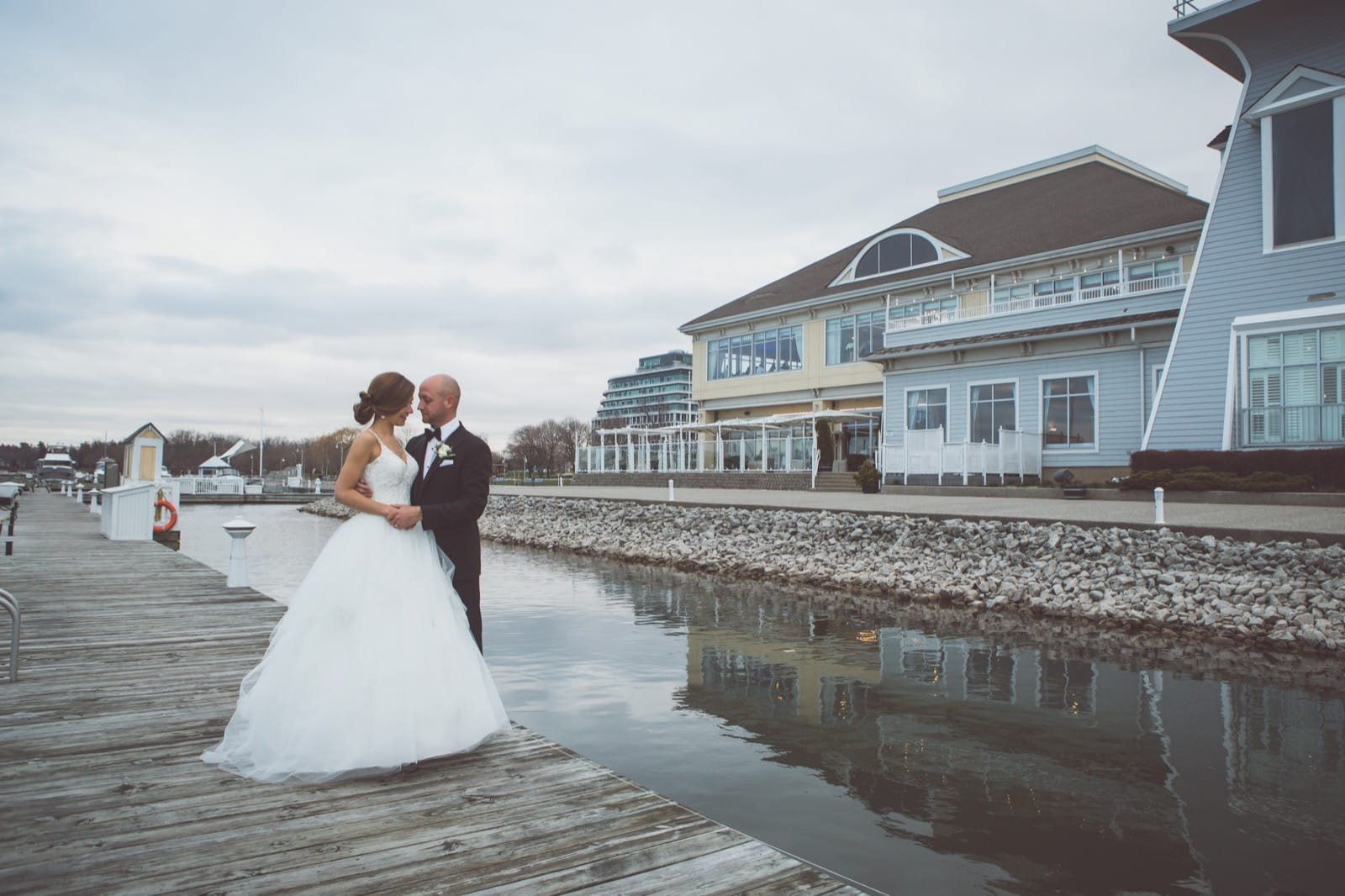 Bride and groom in Oakville