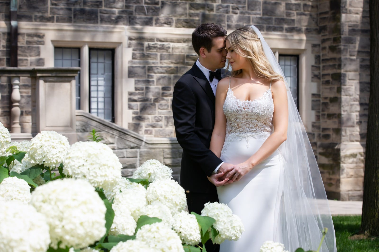 Wedding Photography at the Gardiner Museum in Toronto
